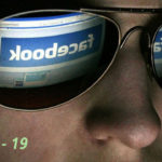 Se viene la pickup de Tesla y Facebook monitorizará los mensajes de Whatsapp
