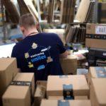 Desocupación y cuarentena. Bezos le ofrece a quienes perdieron sus empleos en bares unirse a Amazon.